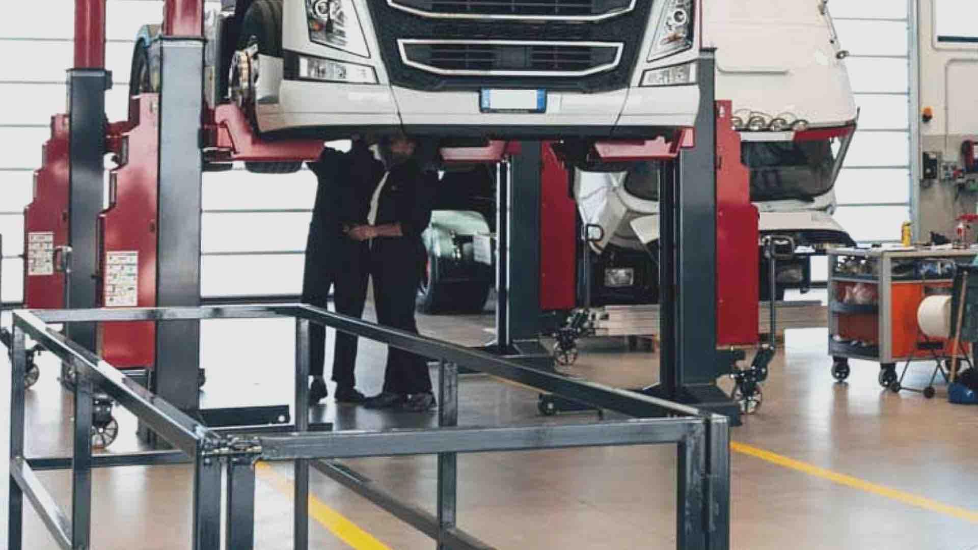 Prenotazione e svolgimento delle revisioni fuori sede dei mezzi pesanti tramite gli Studi di consulenza automobilistica. Nota MIT e Sentenza TAR del Lazio.