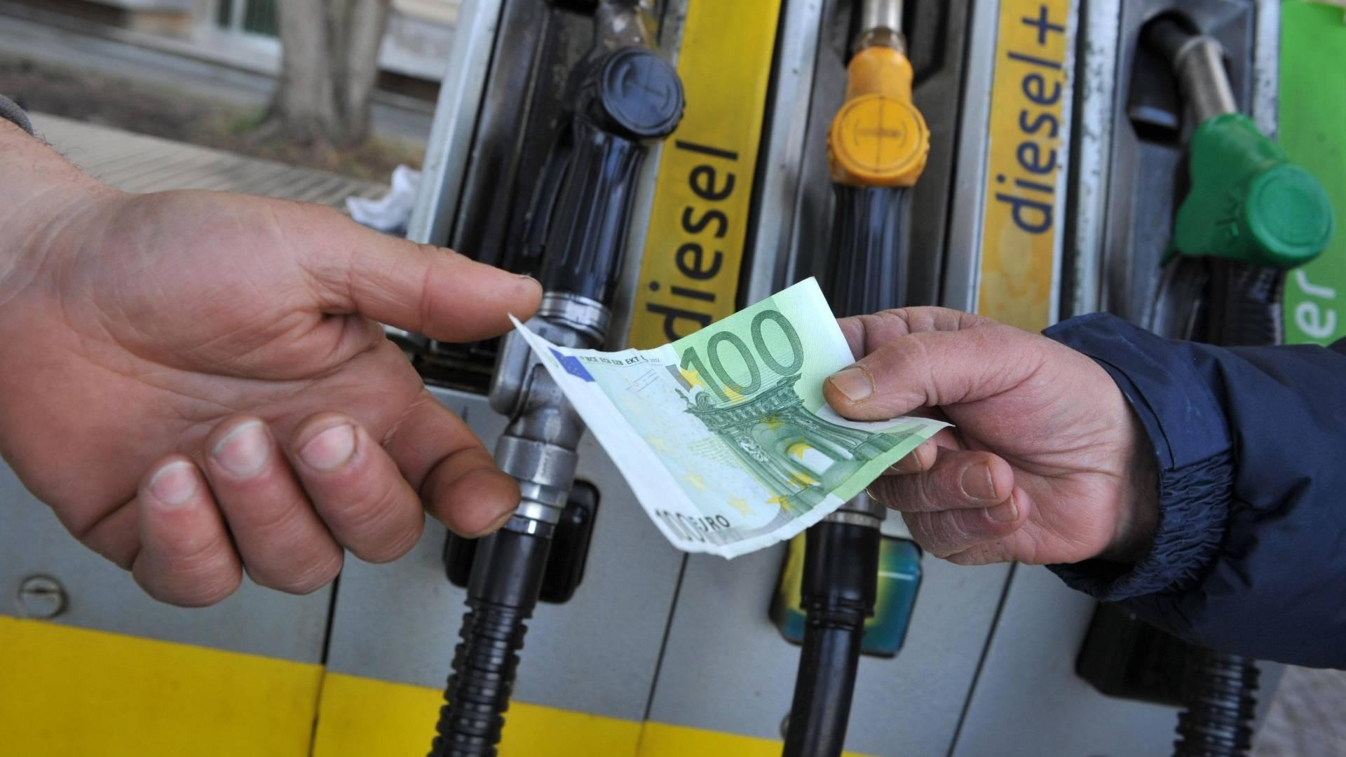 prezzo del carburante alle stelle ecco perche