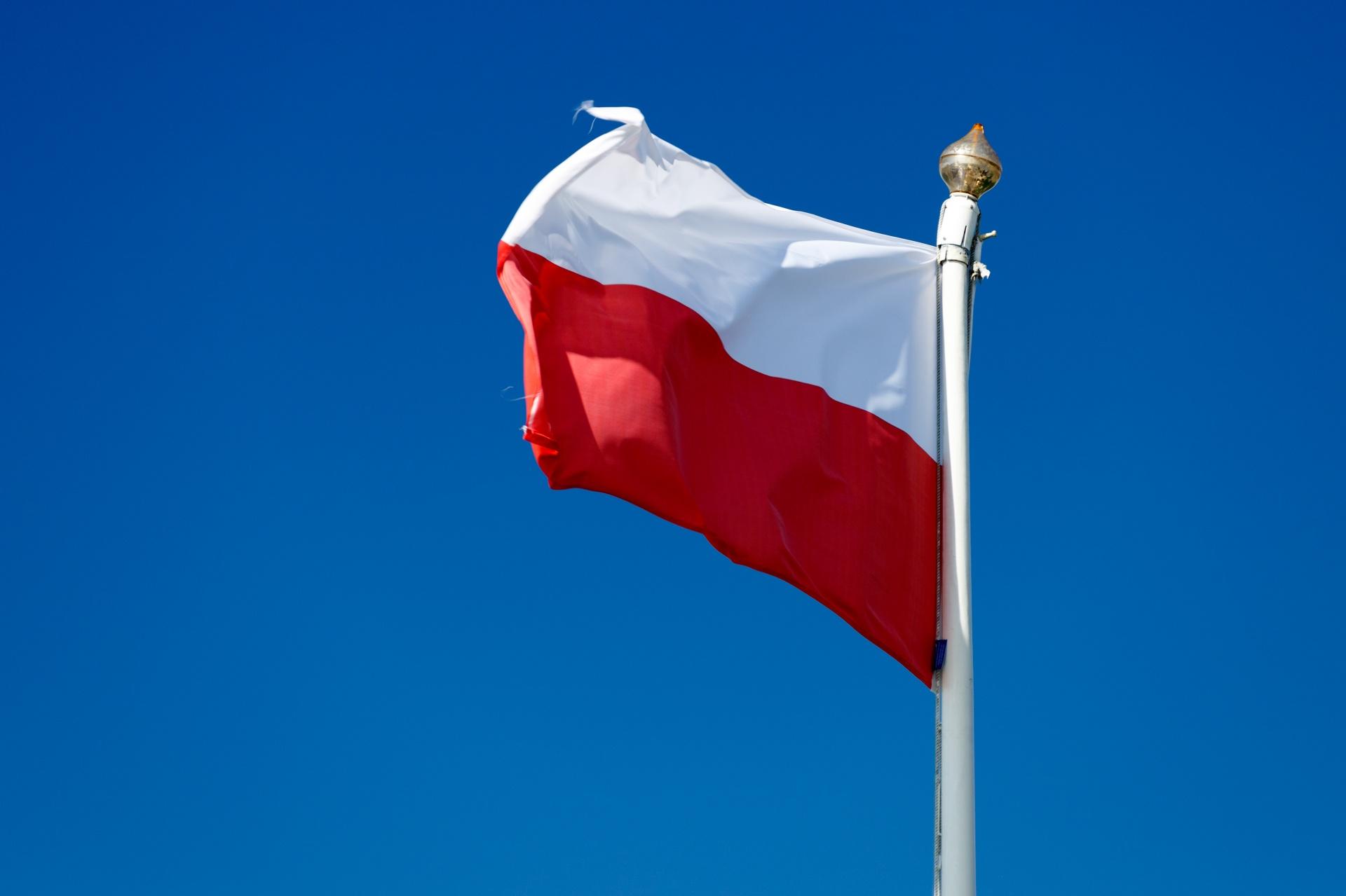 polish flag in the sky 1443282322Dgf