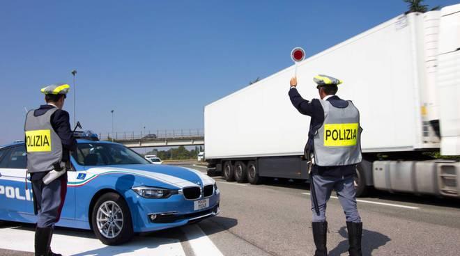 polizia stradale 407790.660x368